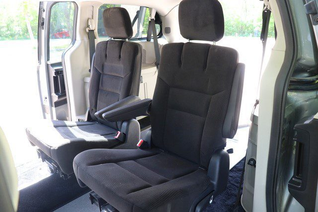folding mid row seating in rear entry mobility van